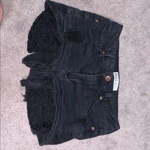 black pocket showing shorts! 🖤